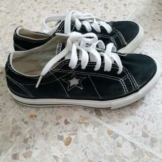 One star Converse kids
