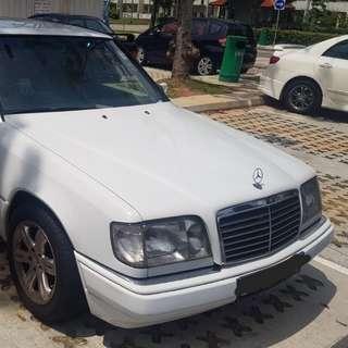 Mercedes W124 200E