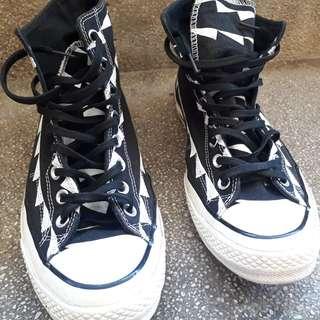 Converse High Cut Black Size 10
