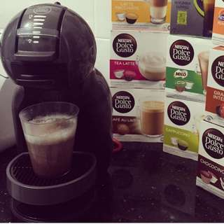 Nescafe Dolce Gusto with capsule stand