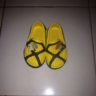 Sepatu karet anak no. 19, usia 7m - 1th