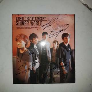 SIGNED SHINEE ALBUM (ALL MEMBERS)