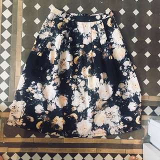 Dotti Sz 10 full circle floral print work skirt