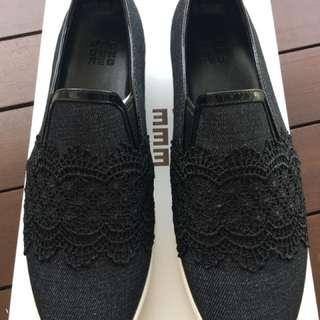 Brand New in Box - EU 38 Pedder Red Sneaker