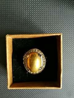 Besi Kuning ring