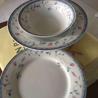 Porcelains plates & bowl