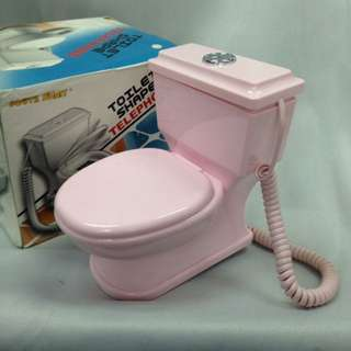 廁所型室內有缐電話