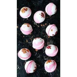 Bath Bomb with Rose Petals