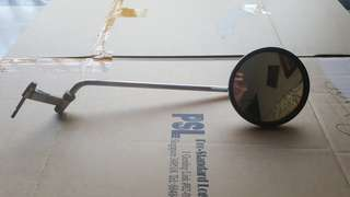 Selling a right hand side mirror