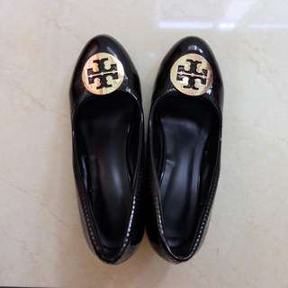 MIRROR TORY BURCH Wedges in Glossy Black