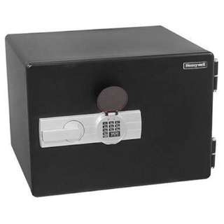 Safe Vault Honeywell 2402