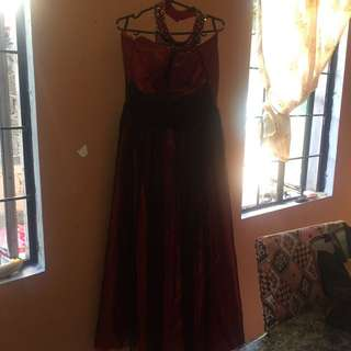 Gown w/o petticoat