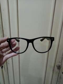 Kacamata Fashion (BARU)