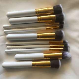 White 10pcs professional brushes