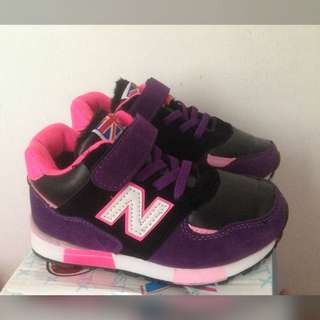 Sepatu anak new