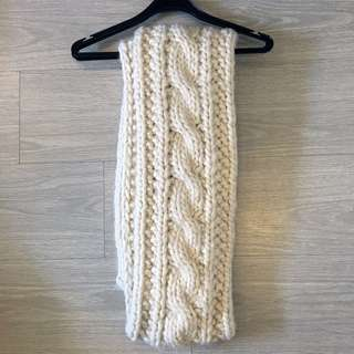 Abercrombie & Fitch Womens Cable Knit Scarf