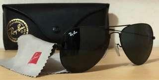 Ray•ban 黑色太陽眼鏡