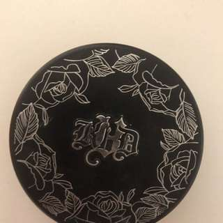 Kat Von D Lock it powder foundation