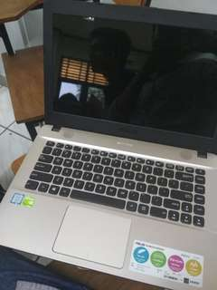 Laptop ASUS X441UV Hitam Gold