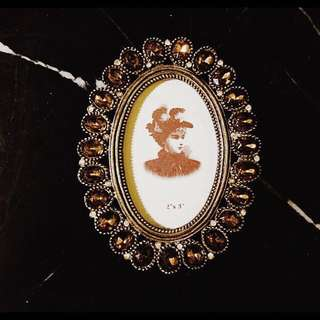 🚚 中世紀風黃鑽貴族相框