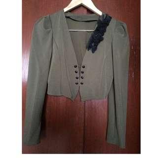 Stylish structured crop blazer