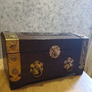 Wooden Chest (jewellery case)