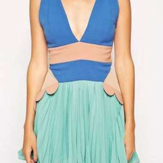 GABN Three Floor Model Behaviour Dress