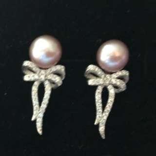 Fancy pearl ribbon earrings