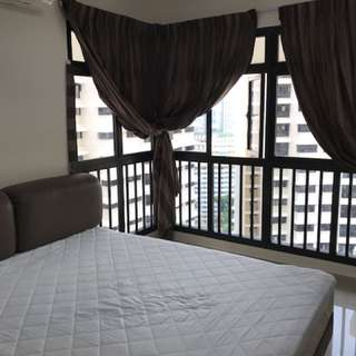 Comfortable master room at Tiong Bahru