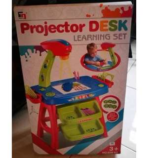 Projector Desk Learning Set