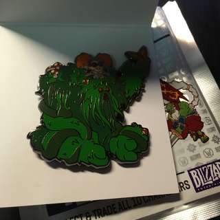 Blizzard Collectible Pins HearthStone Bog Creeper
