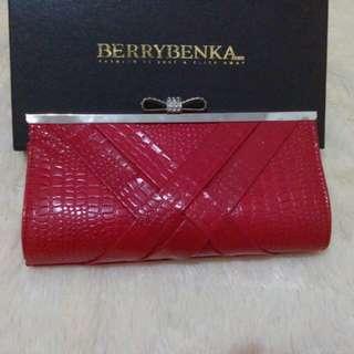 Dompet Pesta Merah