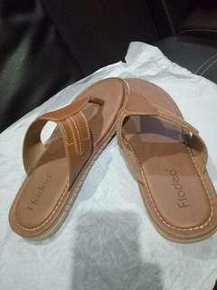 Sandal fladeo ukuran 42
