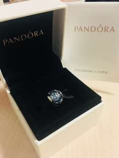 Pandora charm - Blue Encased in Love Charmon