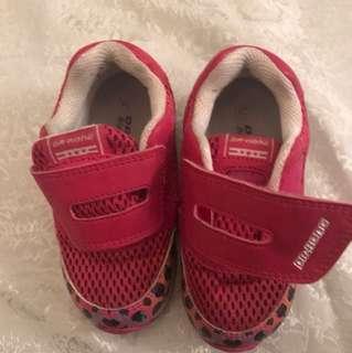 Dr. Kong sport shoes