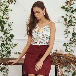 YARA FLORAL EMBROIDERED TOP