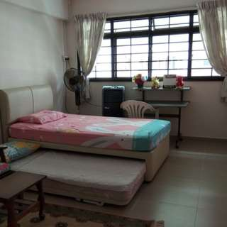 Yishun room near MRT!