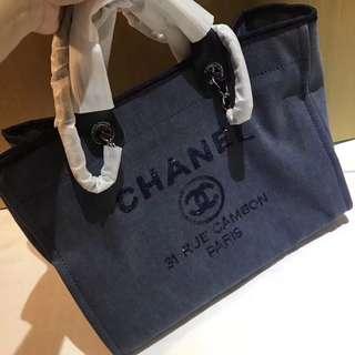 【Chanel Shopping Bag】VIP Gift Bag, need to preorder.