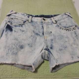 Acid wash denim short