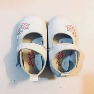 #HOT80 WHITE BABY SHOES