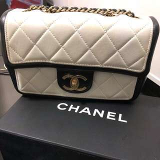 Chanel season 20cm