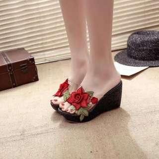 Ladies sandals