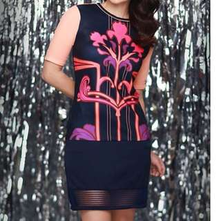 LOOKING FOR THIS PLAINS AND PRINTS DRESS in Medium or Large size