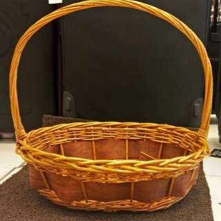 Rattan basket / wedding basket