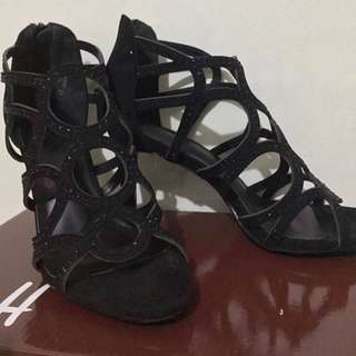 Authentic S&H Black Strappy Elegant Heels Sandals Shoes