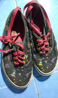 Vans Off the Wall spaceship designed