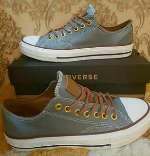 Sepatu cats Converse baru not ori