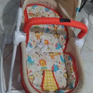 Rocking baby bed