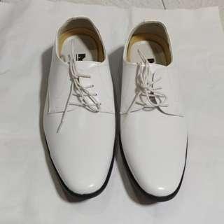白色男裝皮鞋 US-8.5碼 (結婚用品) 90%New