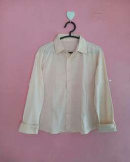 Peach shirt (otak udang). Uniqlo look a like. No deffect  Material: cotton Size: L-xl